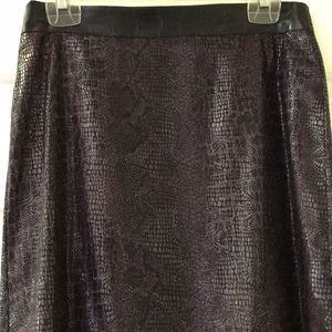 Bisou Bisou zip up skirt with lace trim